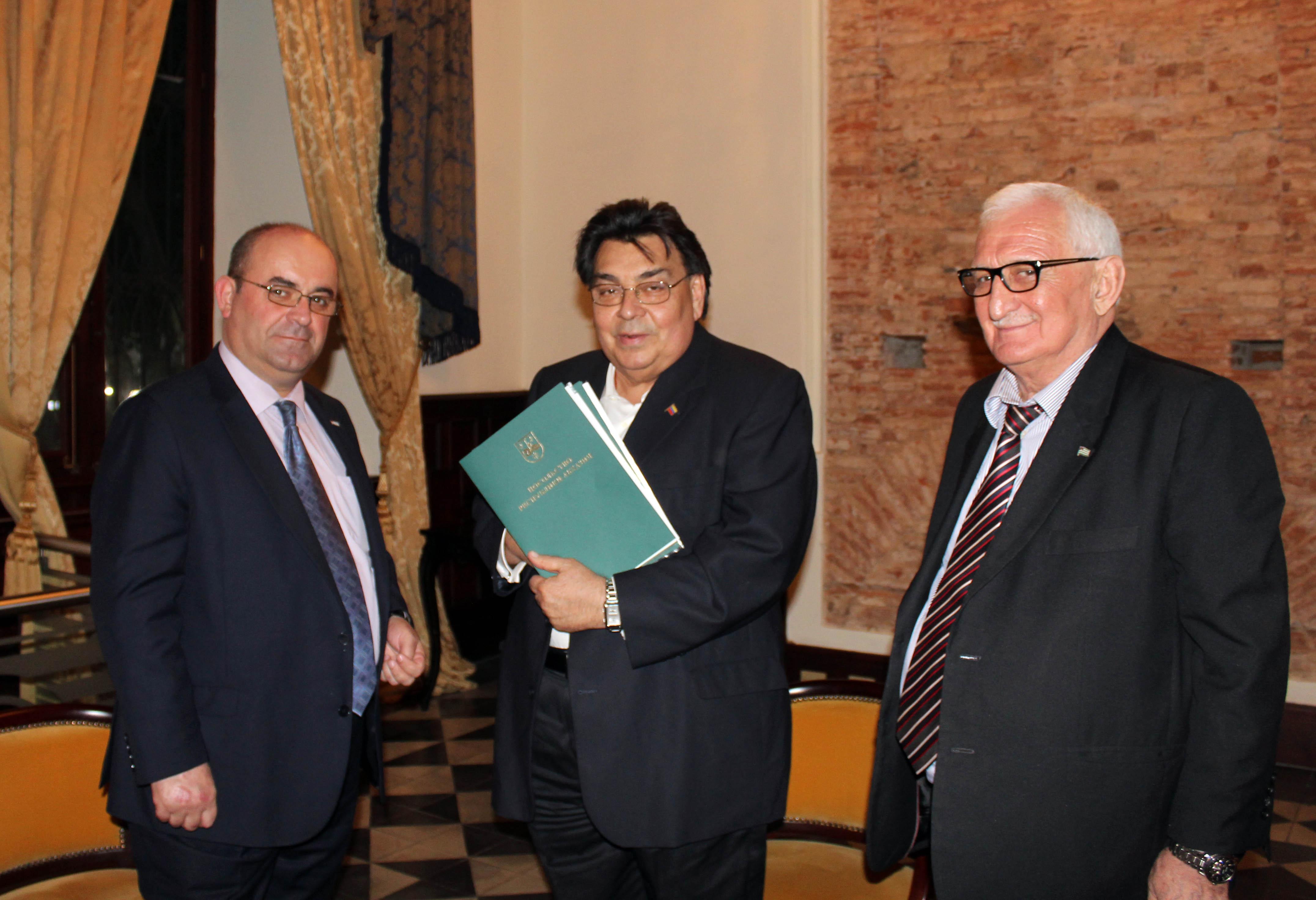Viceministro de Relaciones Exteriores de la República de Abjasia Oleg Arshba, Viceministro de Relaciones Exteriores de la República Bolivariana de Venezuela, Calixto Ortega, Extraordinario y Plenipotenciario Embajador de la República de  Abjasia en la República Bolivariana de Venezuela