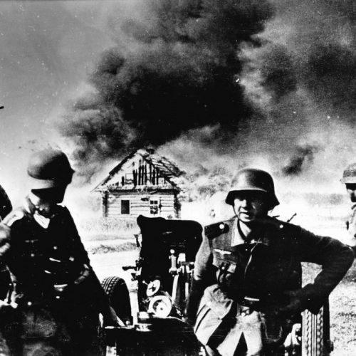 Alemanes lo quemaban todo en su camino