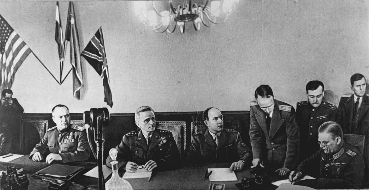 Firma del Acta de la capitulación de Alemania