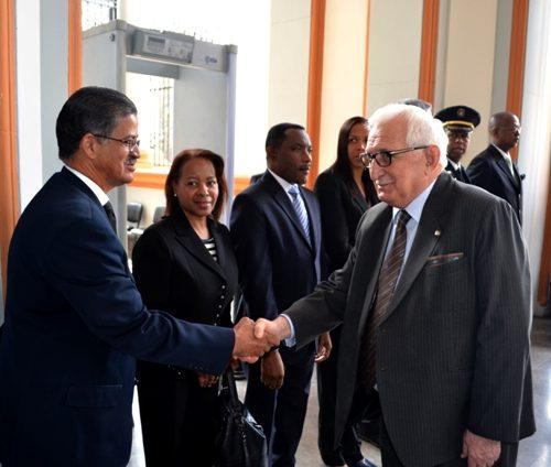 Посол Республики Абхазия Заур Гваджава на возложения венков Доминиканской Республики.