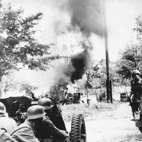 Al otro lado de trincheras alemanes