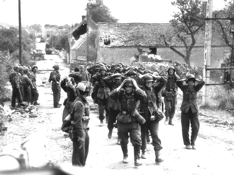 Немцы сдаются в плен в Сен-Ламбер-сюр-Дайв (21 августа 1944 г.)