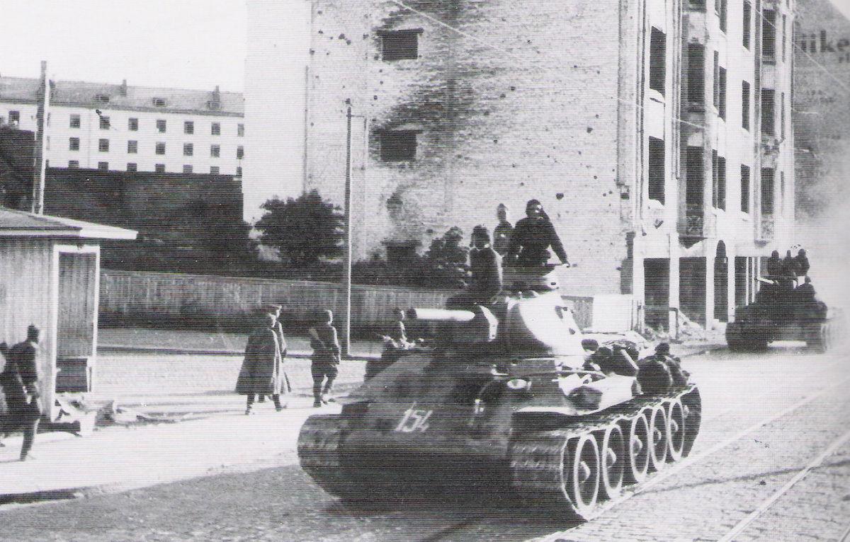 Советские войска входят в Эстонию (Прибалтийская операция)